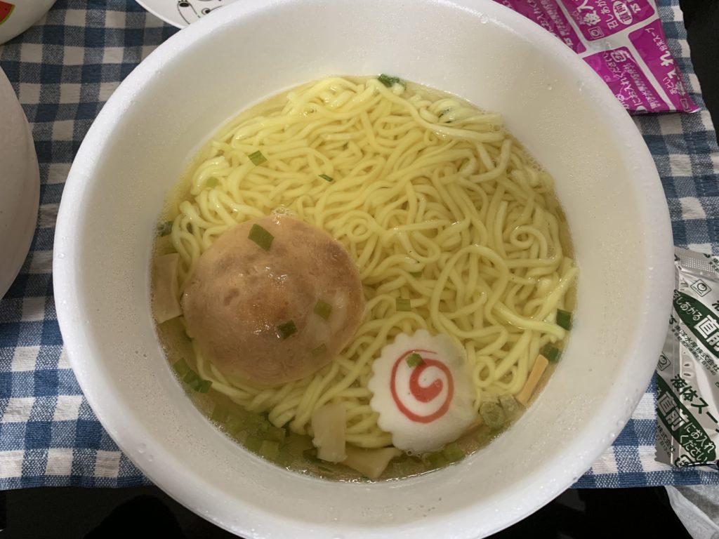 マルちゃん正麺 旨こく豚骨醤油 混ぜる前